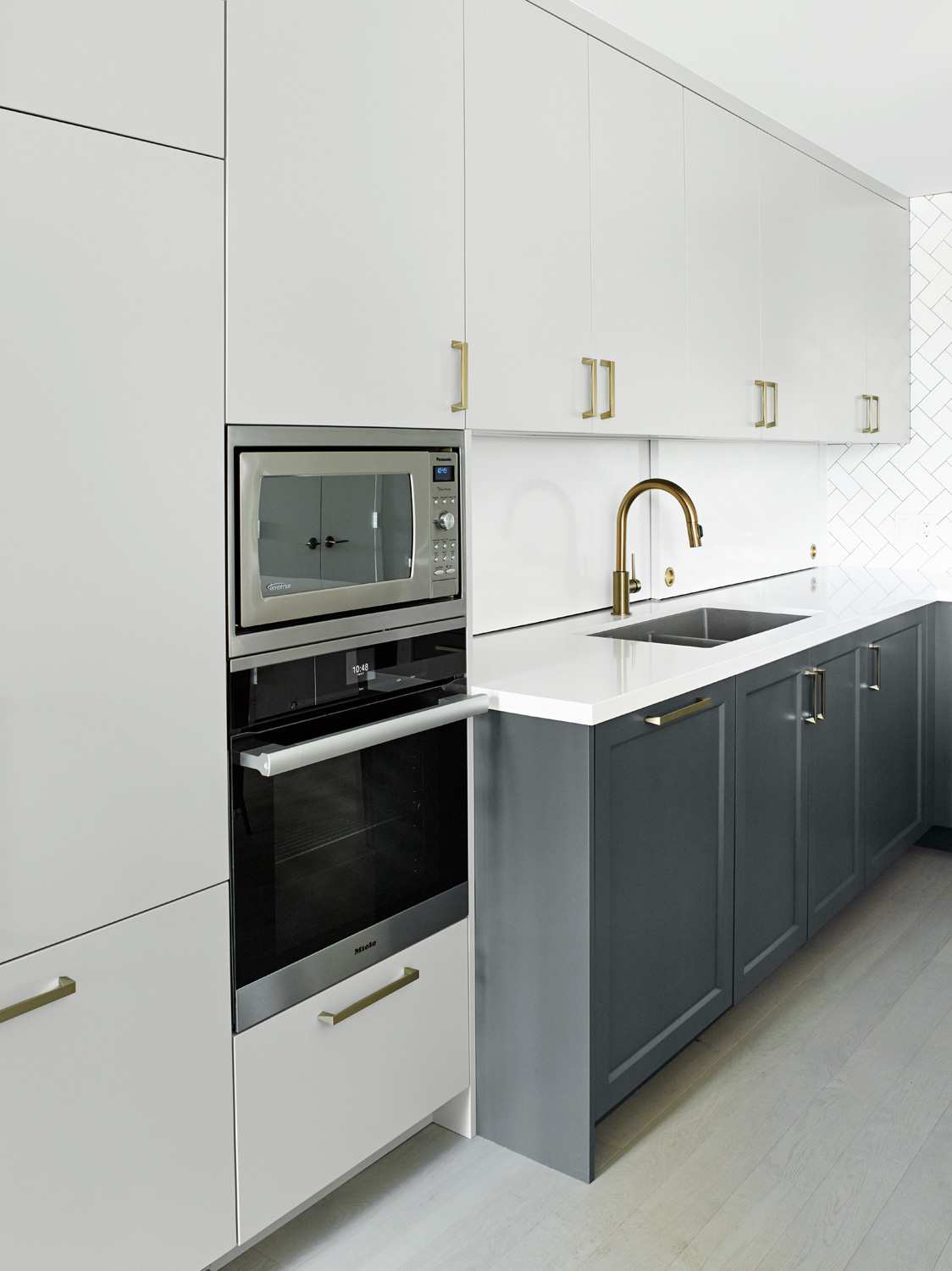 Stacked Ovens in Condo Kitchen
