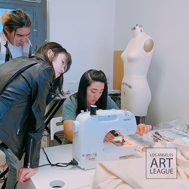 Fashion Class!~ . . #art #artistsoninstagram #fashion #sweing #painting #collage #collageart #design #modern #creative #study #losangeles #ktown #collegeprep #student #portfolio #losangelesartleague