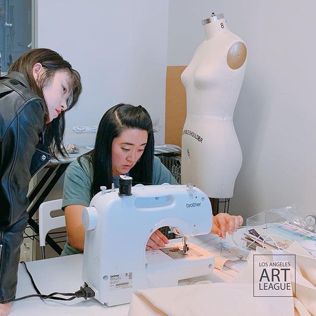 Fashion Class!~ . . #art #artistsoninstagram #fashion #sweing #painting #collage #collageart #design #modern #creative #study #losangeles #ktown #collegeprep #student #portfolio  #PARSONS #FIT #OTIS #losangelesartleague