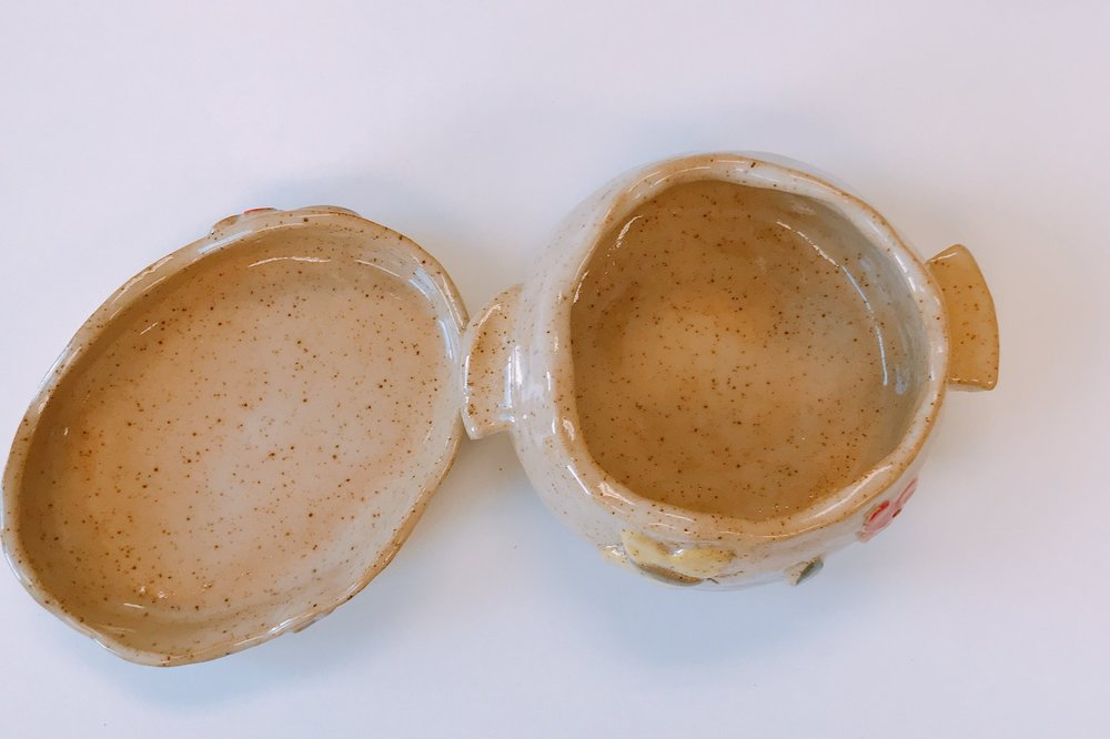 CERAMICS CLASS - Students will learn how to handmake ceramics by pinching, rolling, and shaping the clay.THURSDAY JULY 18