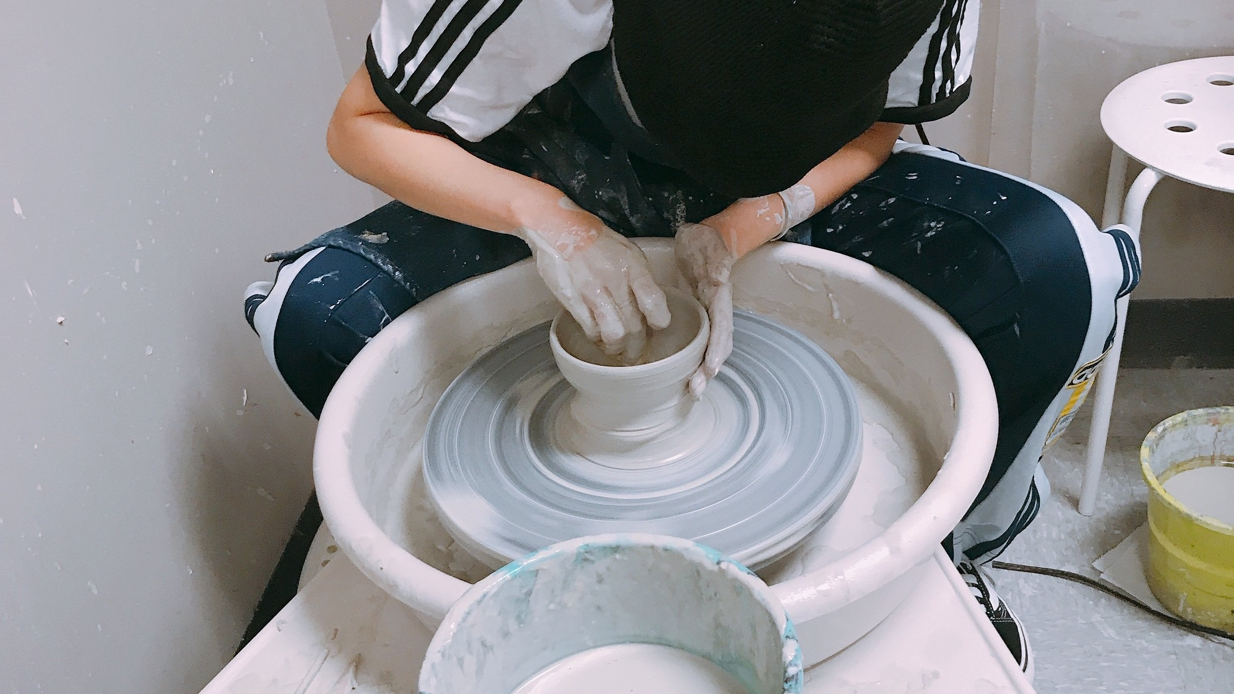 CERAMICS CLASS - Students will learn how to handmake ceramics by pinching, rolling, and shaping the clay.