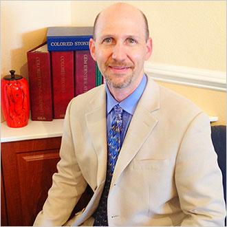 Brad Congress  Third generation jeweler, Graduate Gemologist, Numismatist (ancient coins) and historian.