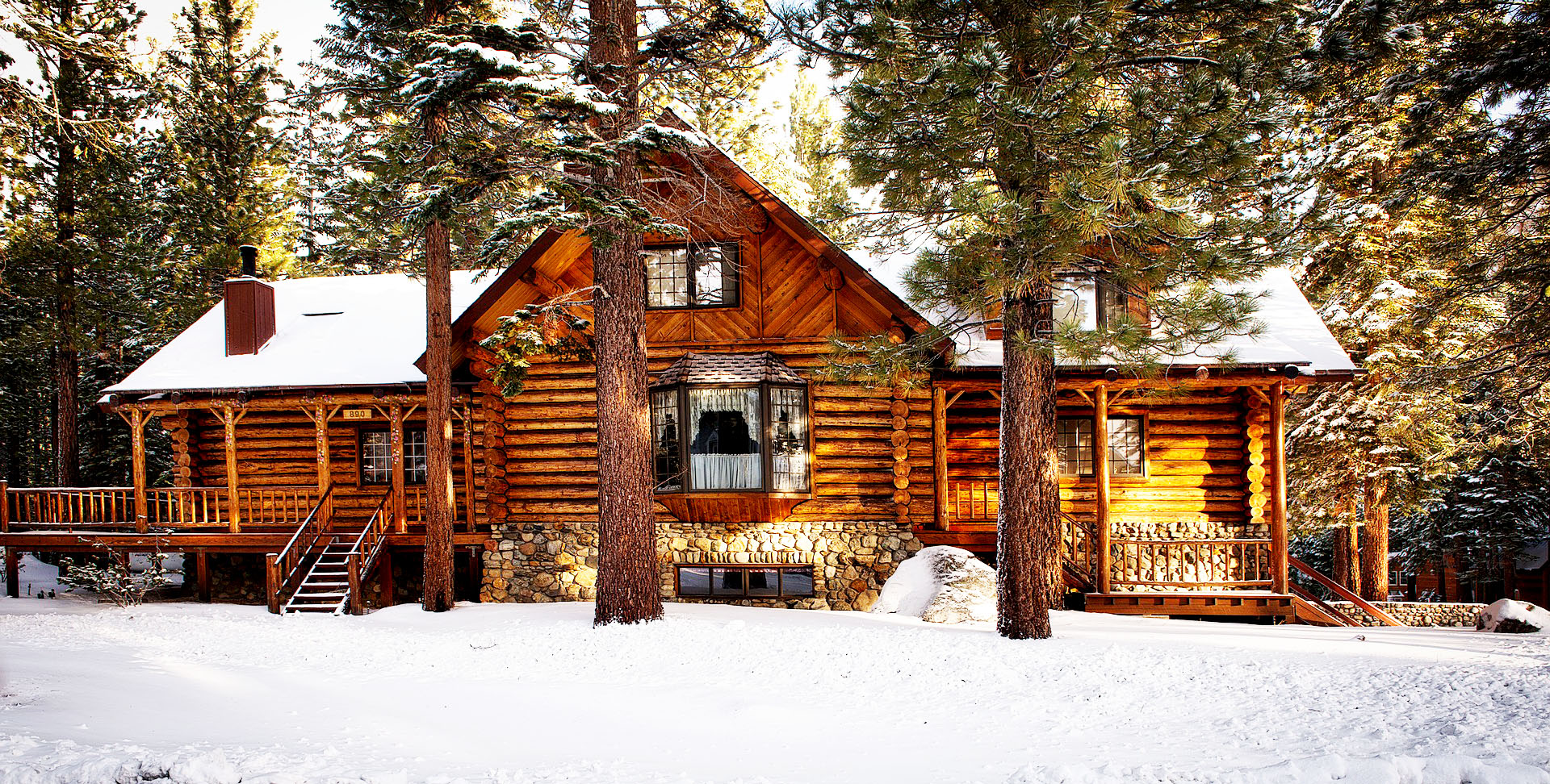 cabin-1594361_1920_adj.jpg