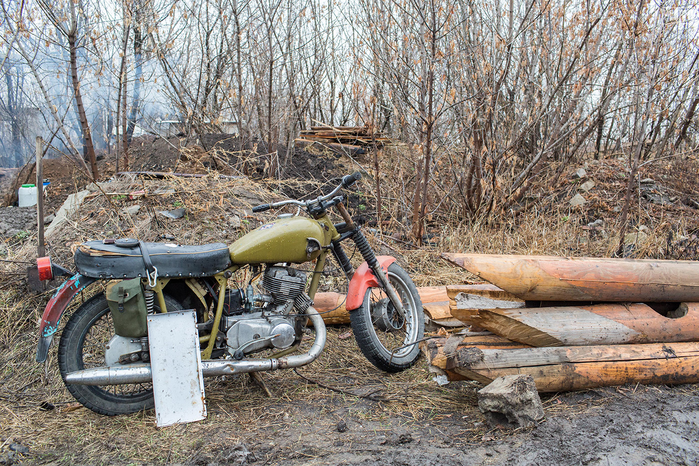 This motorcycle was constructed by a Ukrainian soldier during fighting in Pisky. He broke down various motorcycles and combined the parts, creating this motorcycle. It runs.