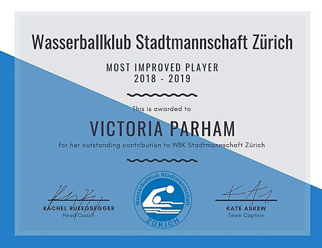 Saison 2018-19 Ehrung WBK SMZ Damen Elite  Most Improved Player - Victoria Parham!  Vicky started the season as part of our second string, eager to learn but not yet strong enough to join the starting line. The effect of her commitment to attending nearly 100% of trainings throughout the year showed quickly in her game performance. After just a few games, she earned her place in the starting lineup and became a strong utility player - solidifying herself most noticeably as a key player in our defensive line. As she gained cofidence, so too she gained depth in her stats - ending the season with 11 goals for SMZ!