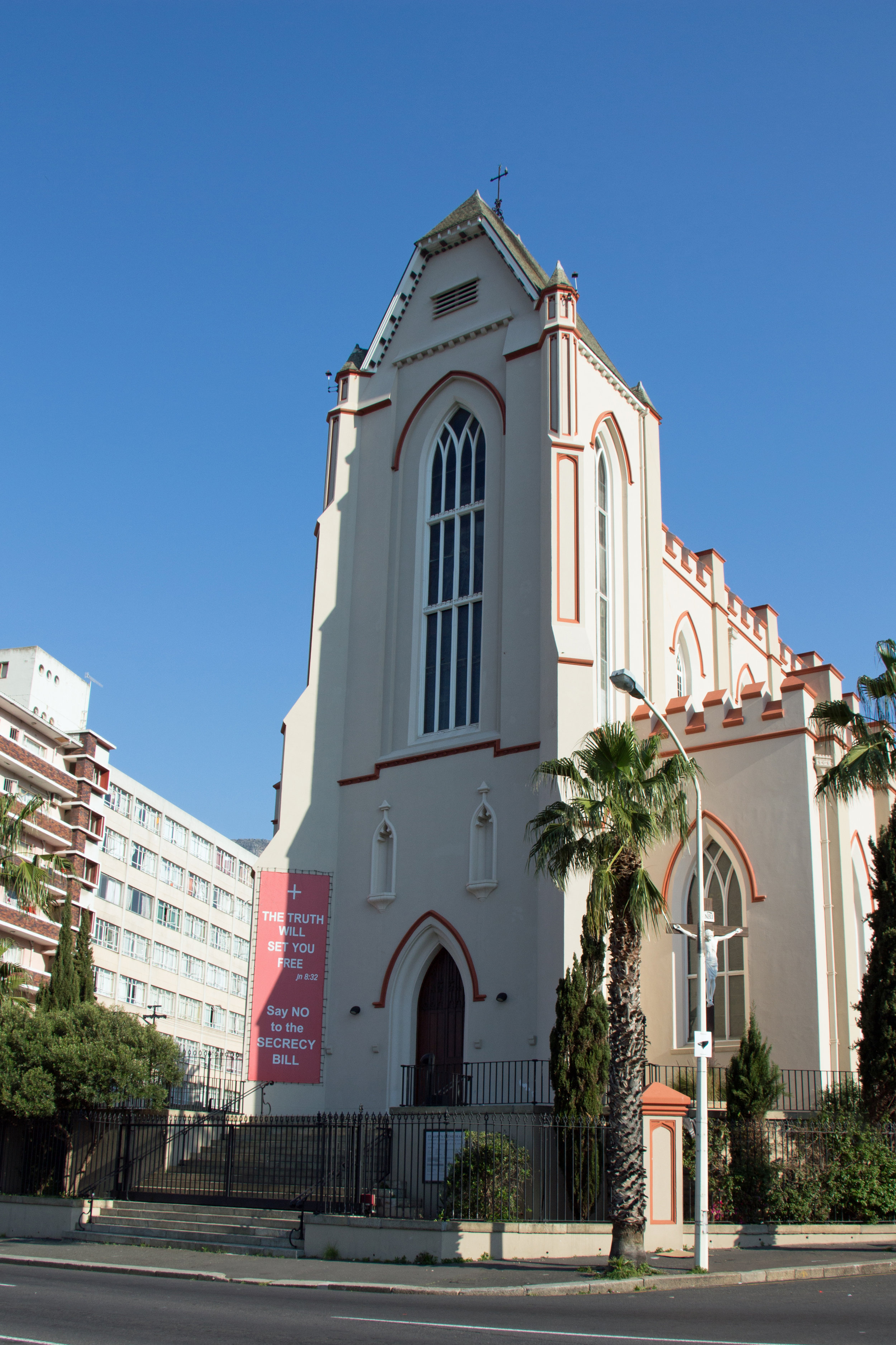 St Mary's Church, Capetown  By HelenOnline - Own work, CC BY-SA 4.0, https://commons.wikimedia.org/w/index.php?curid=36157120