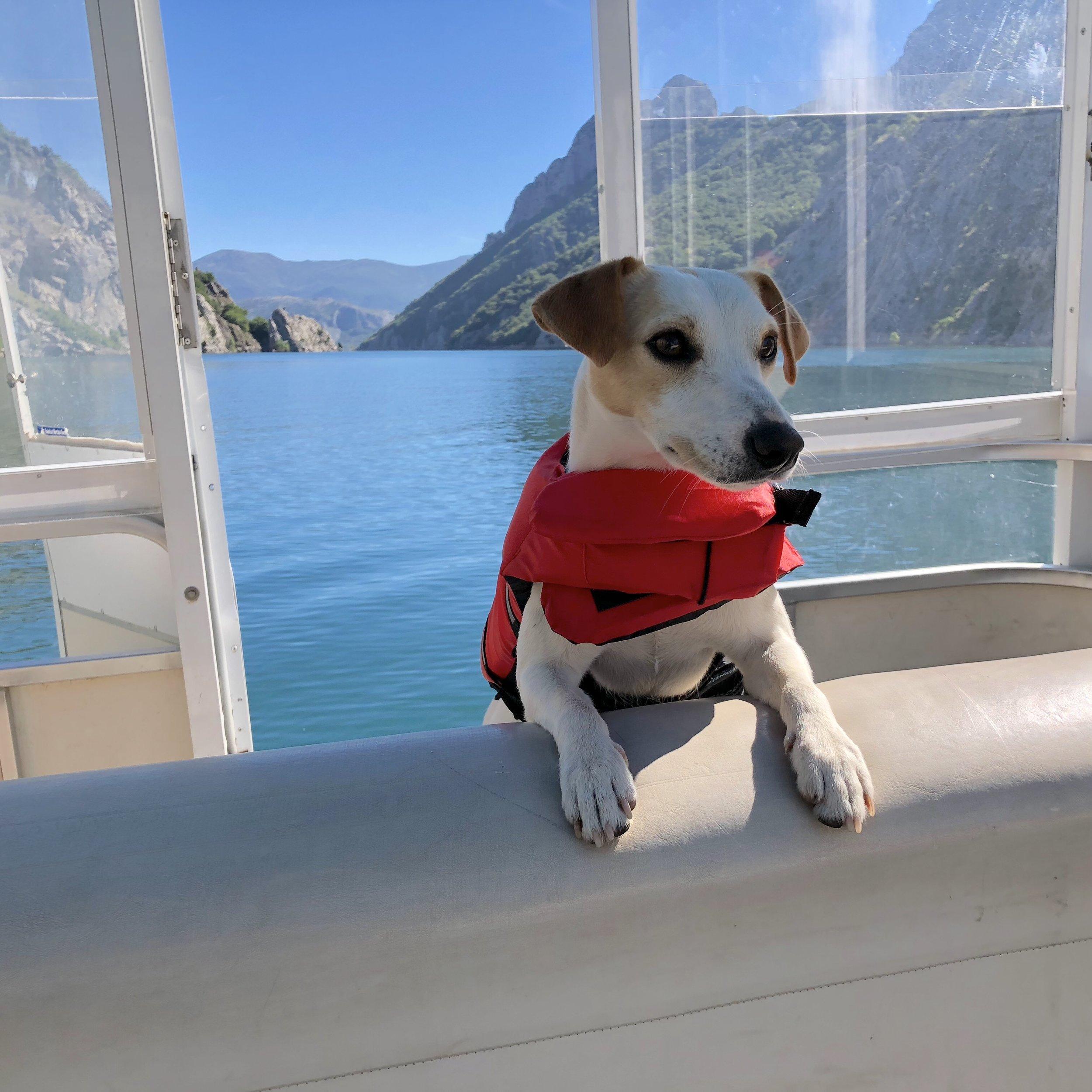 On board on the Riaño reservoir.