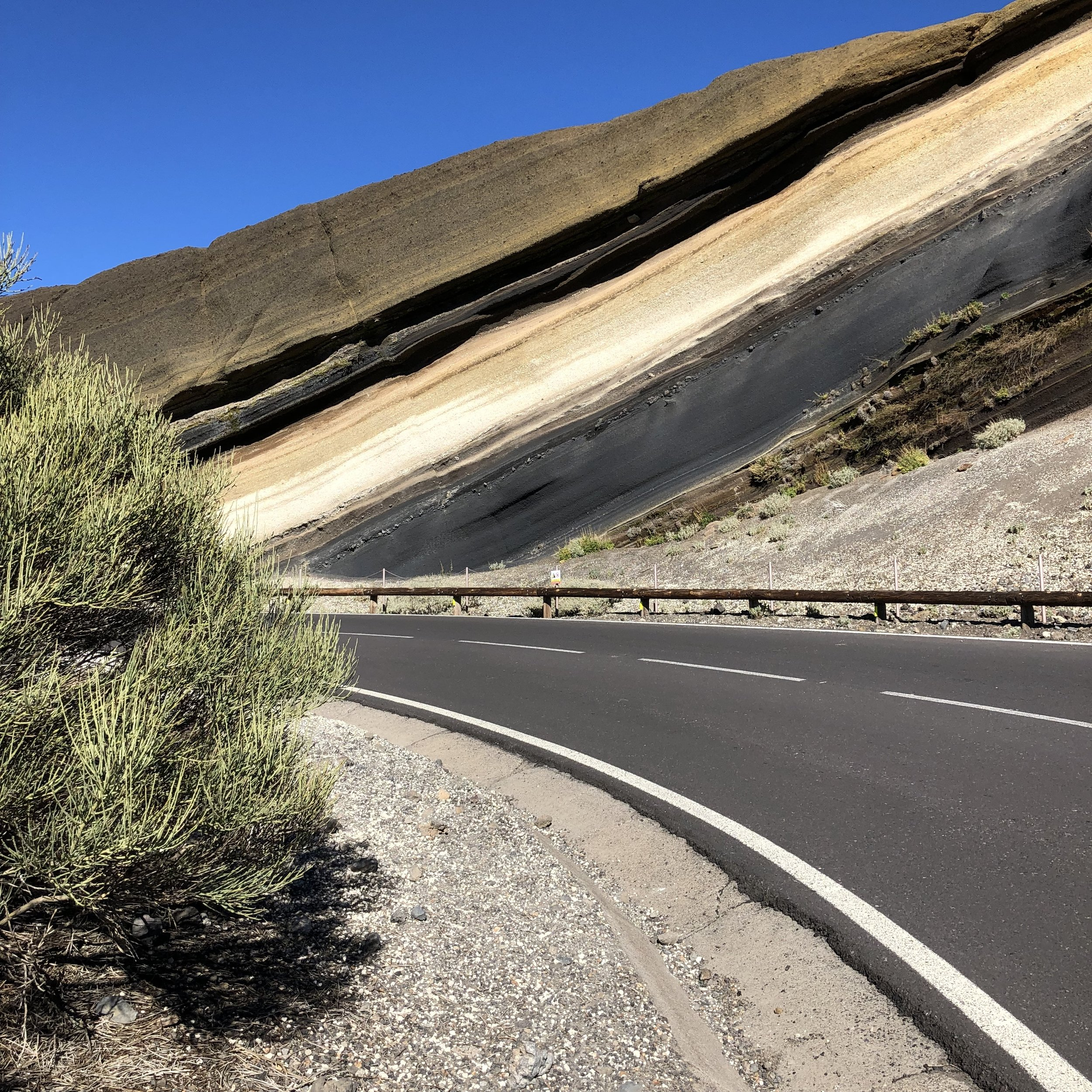 The pie-like landscape from the road in Teide.