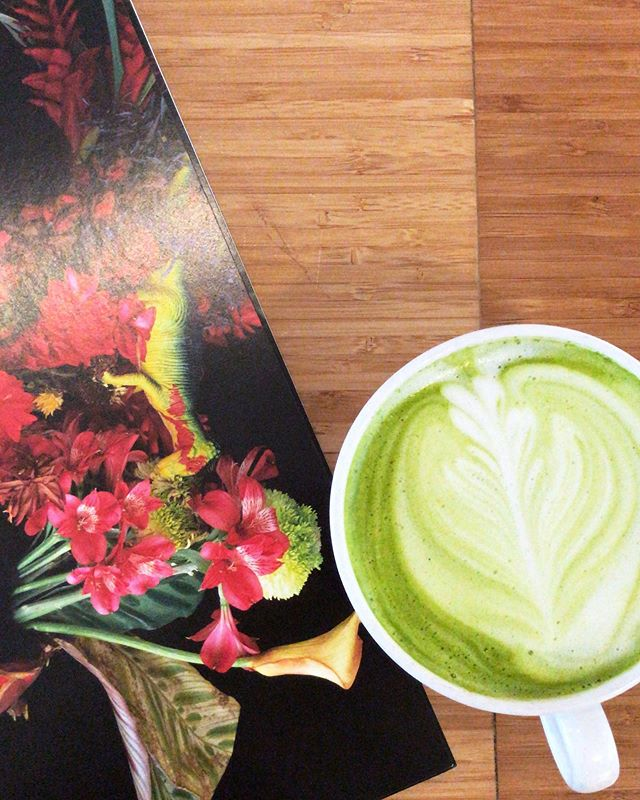 Colorful and delicious, come by and try a hot or iced matcha latte 💚 💚 💚 #matchalatte #veggie #lovefruit #juicecleanse #juicelab #matchagreentea #amsterdam #haarlemmerdijk #latteart #coldpressedjuice #detox #balancedhealth #foodie #organic #gym #nutrition #matcha #oatmilk #coconutmilk