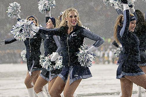 nfl-snow-football-cancelled-postponed-metrodome-snowfall-blizzard-global-warming-sad-hill-news-3.jpg