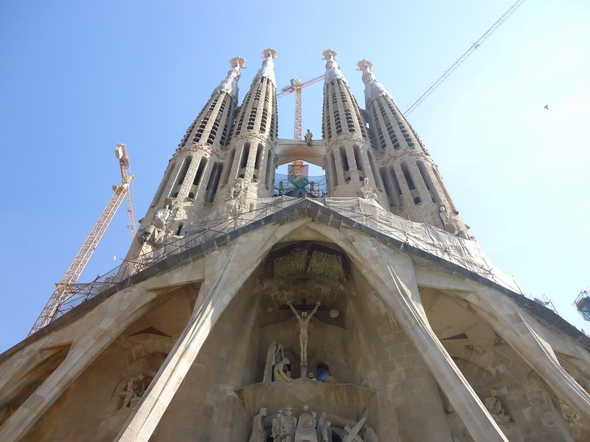 1-sagrada_family_church_salvador_dali_art-1060155.jpg!d.jpg
