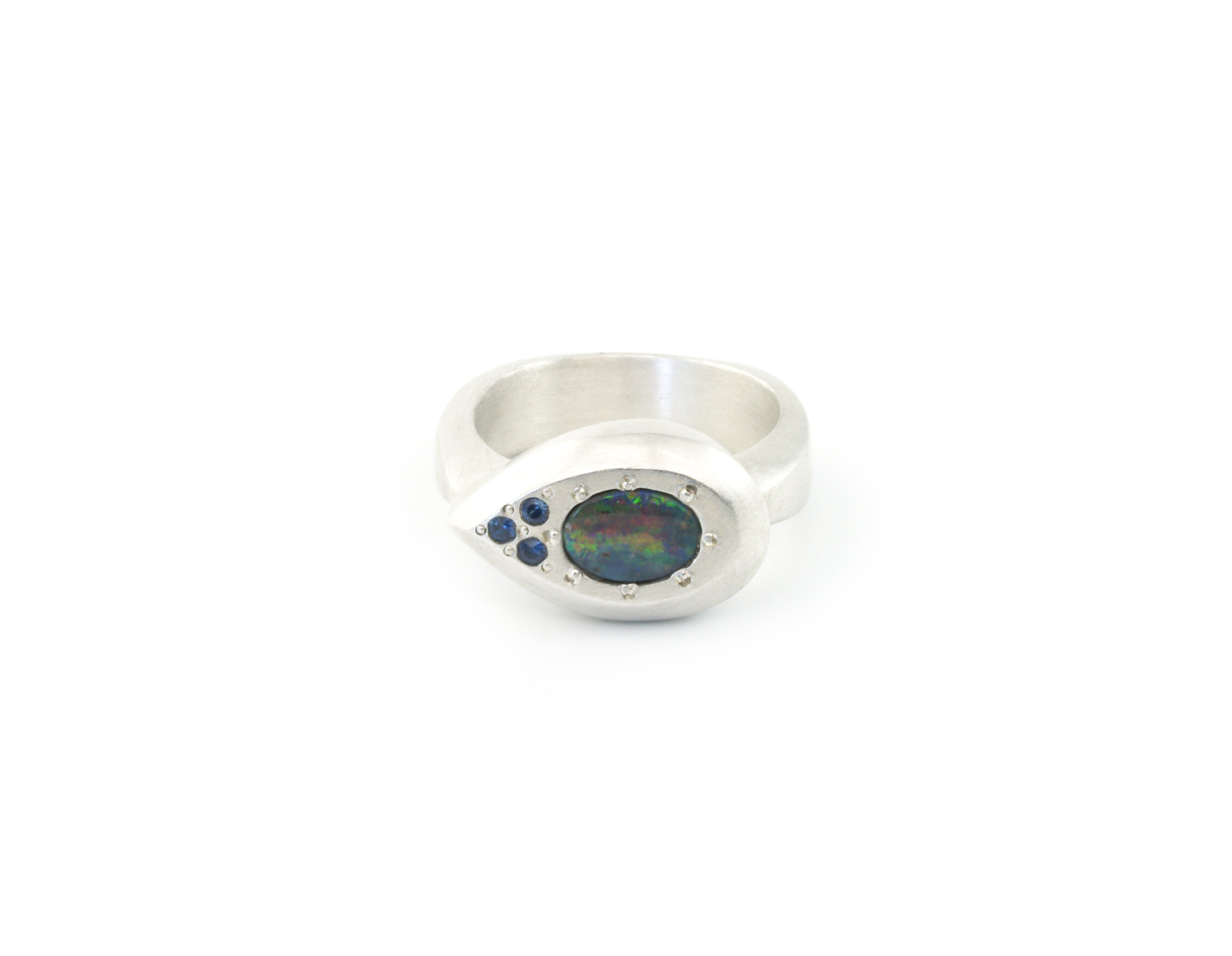 AUSTRALIAN OPAL AND SAPPHIRE RING