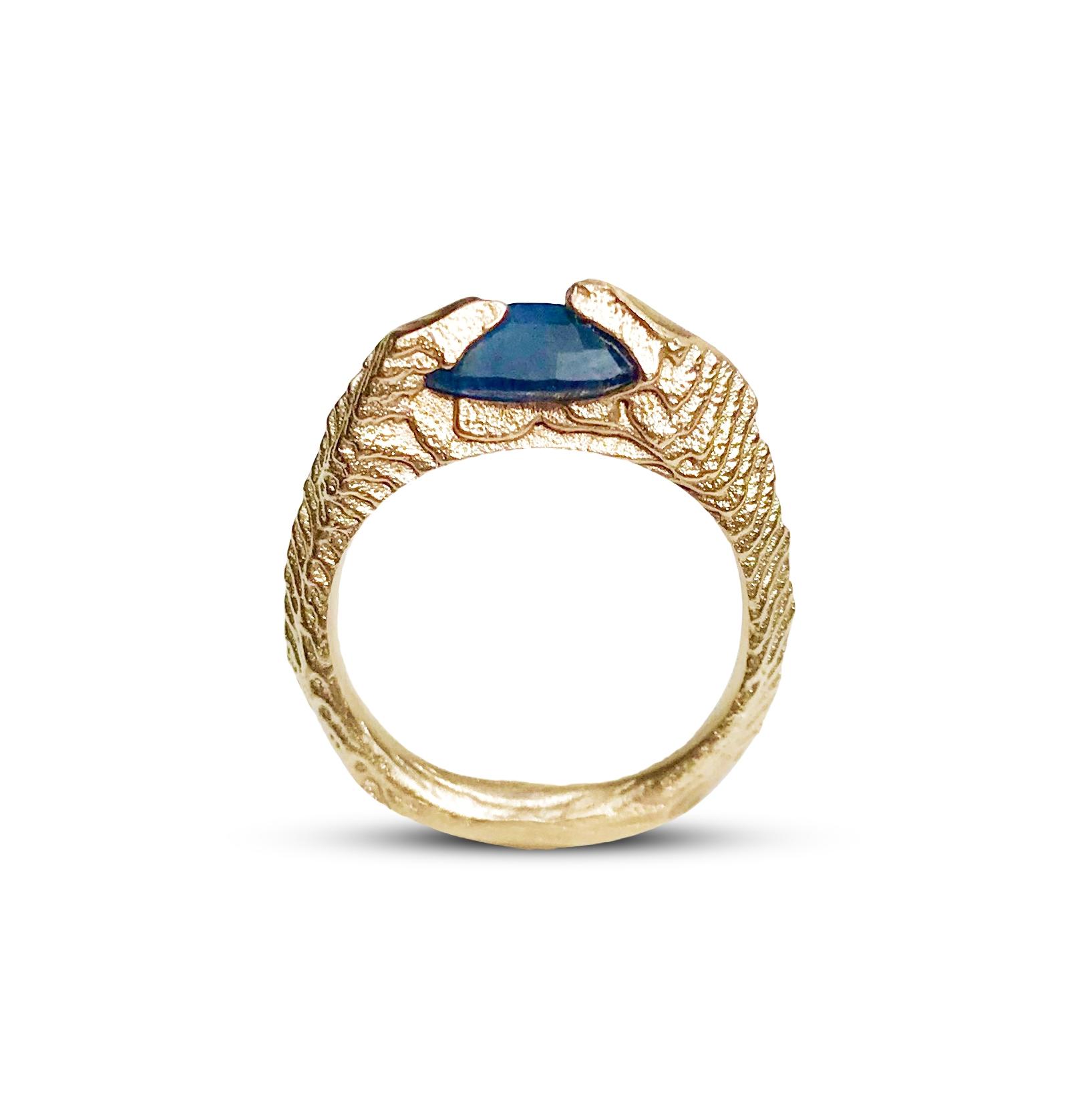 sri lanka gold sapphire ring