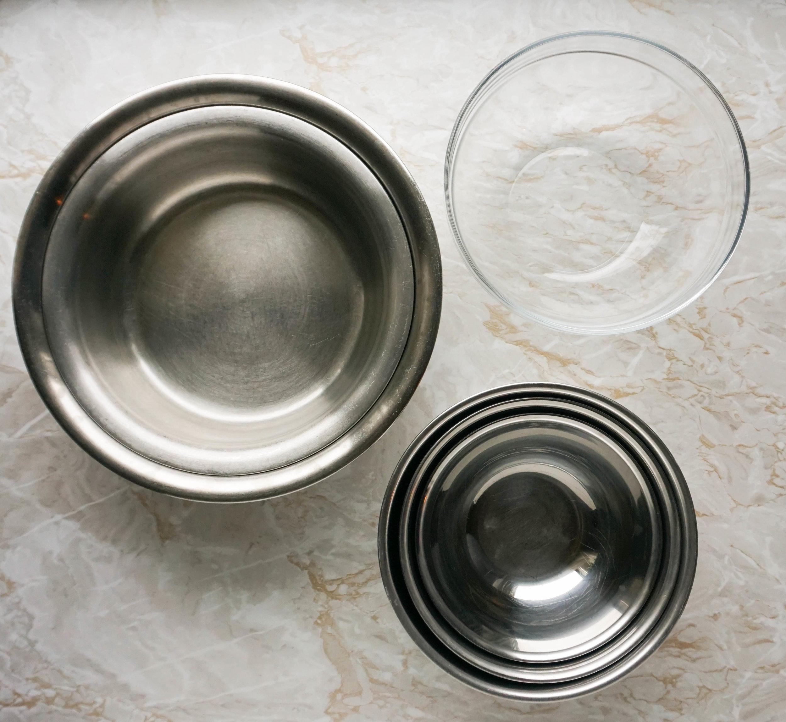 Plastikfrei Backen 101 - meine Tipps für nachhaltigere Back-Utensilien und Küchenzubehör Rührschüsseln.jpg