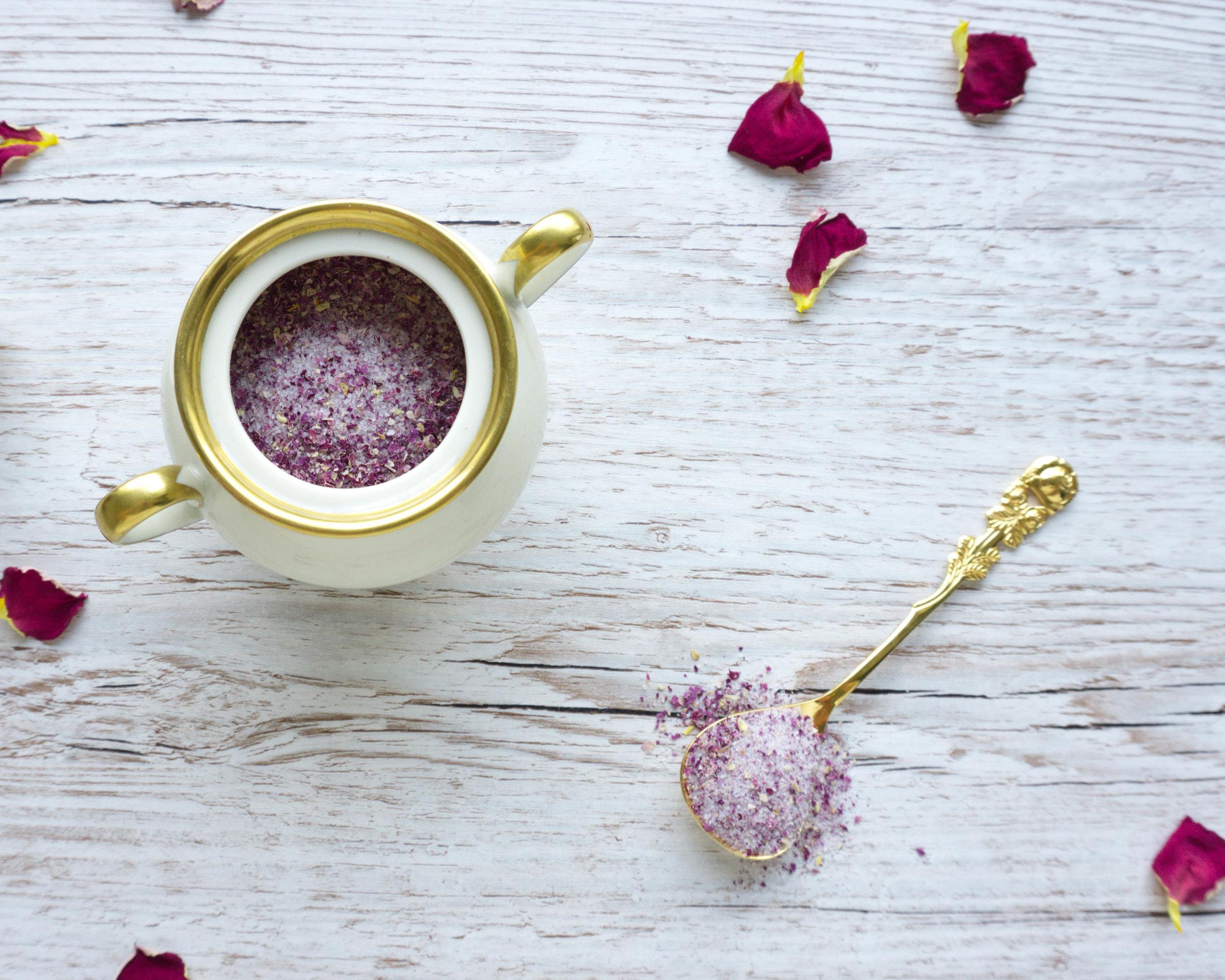 Rosen-Zucker für feine Desserts selber machen aus nur 2 Zutaten (Vegan).jpg