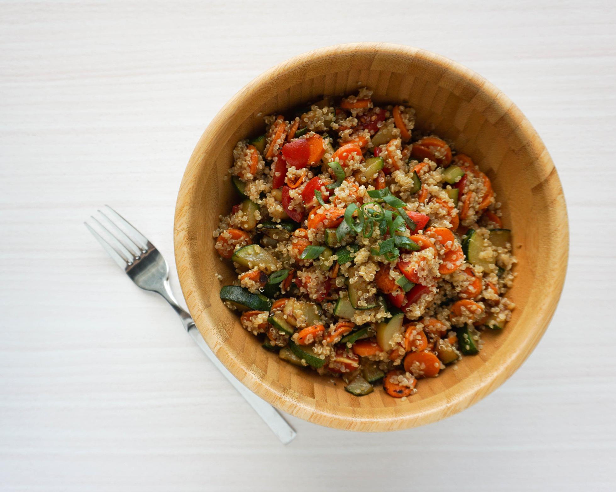 einfacher Quinoa-Salat (Vegan, Glutenfrei).jpg