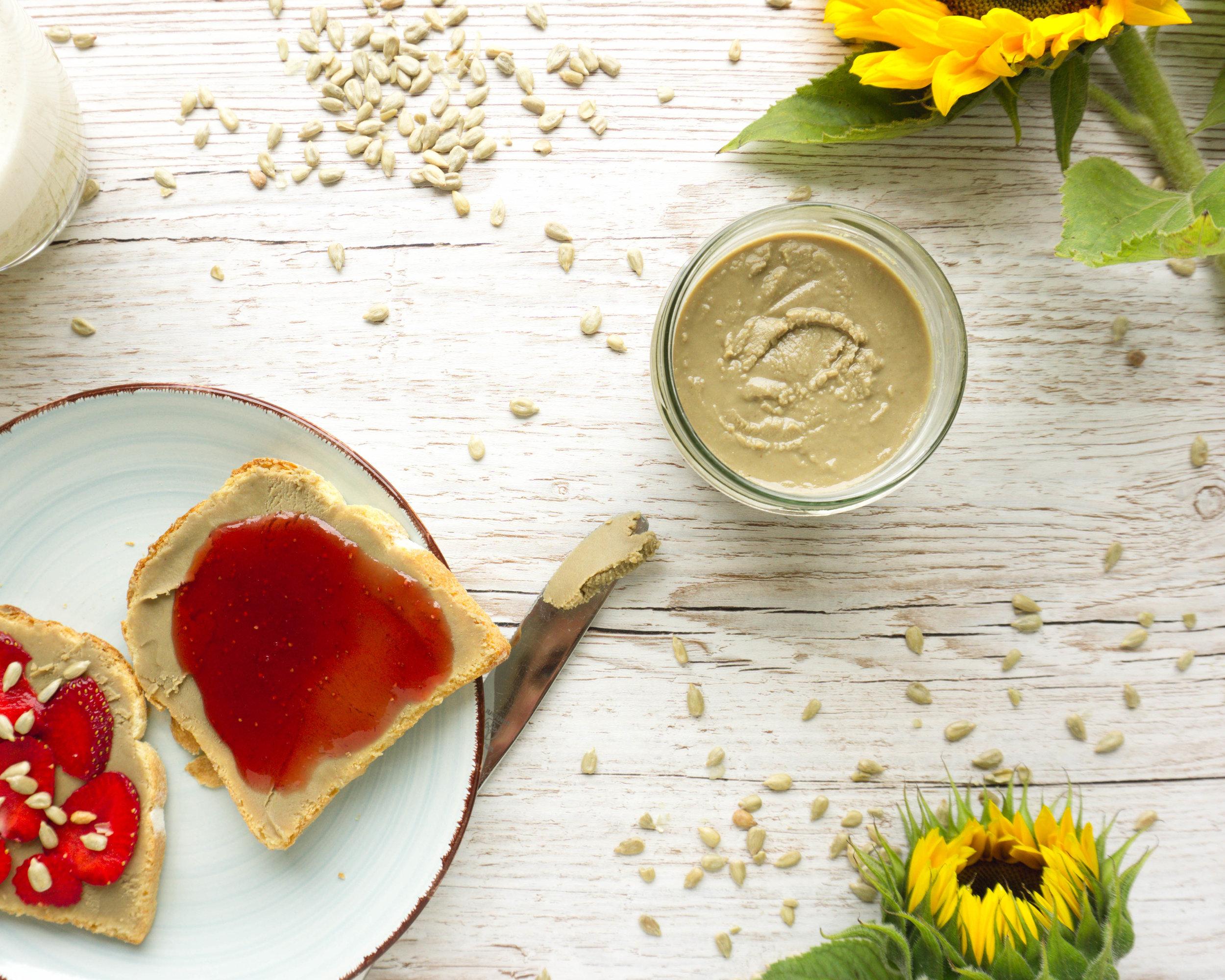 Sonnenblumenkernmus aka Sunbutter (Vegan, Paleo).jpg