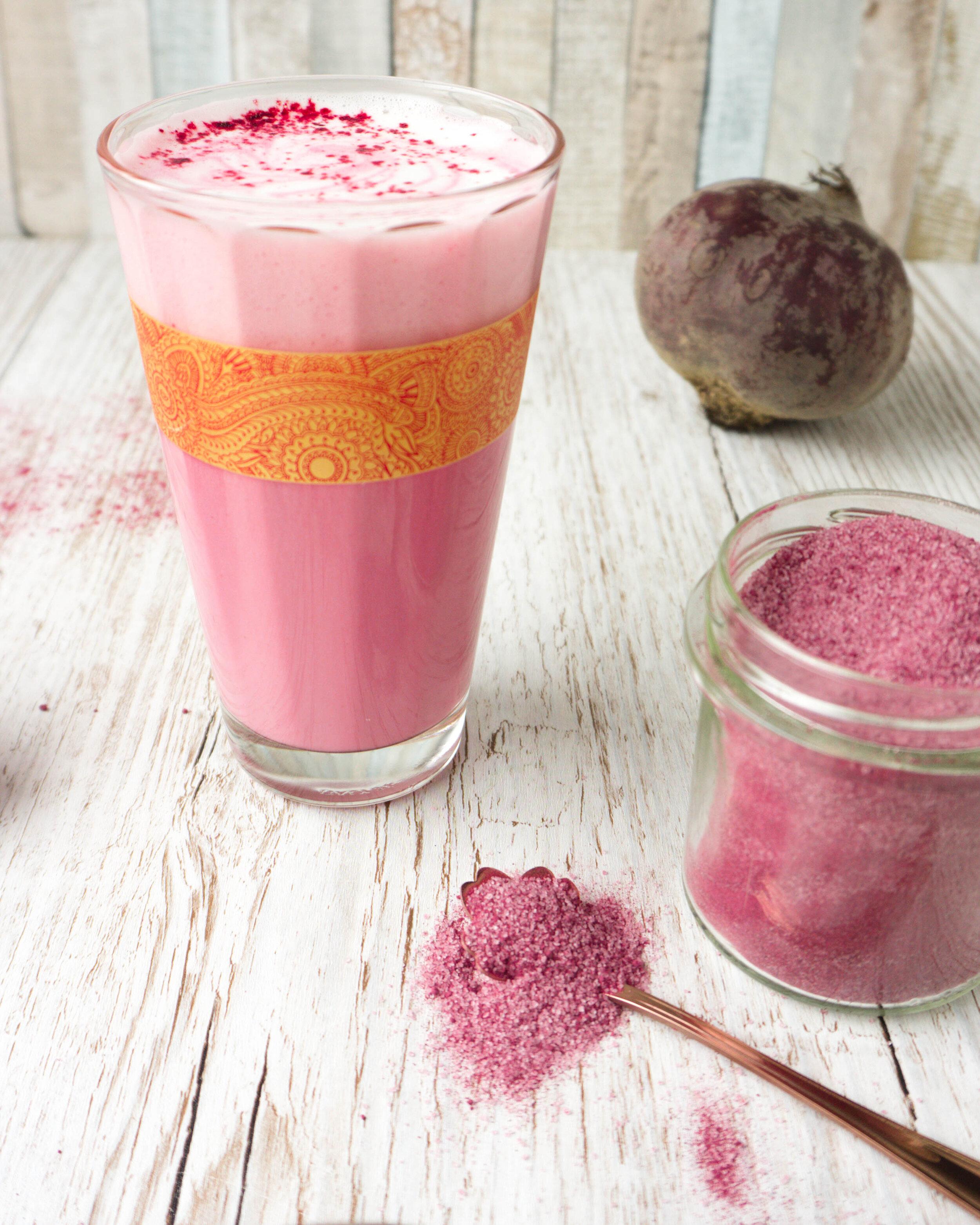 Du brauchst: - ¼ Tasse Zucker2 Telöffel Rote-Beete-Pulver*