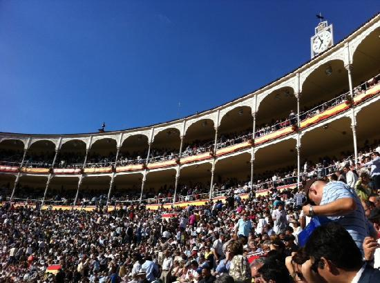 packed-arena-in-las-ventas.jpg