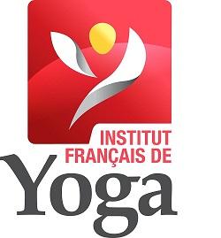 Pascale Garnier est professeure de yoga formée et certifiée par l'Institut français de yoga (IFY), fédération de yoga reconnue par l'Union européenne de yoga (UEY) -