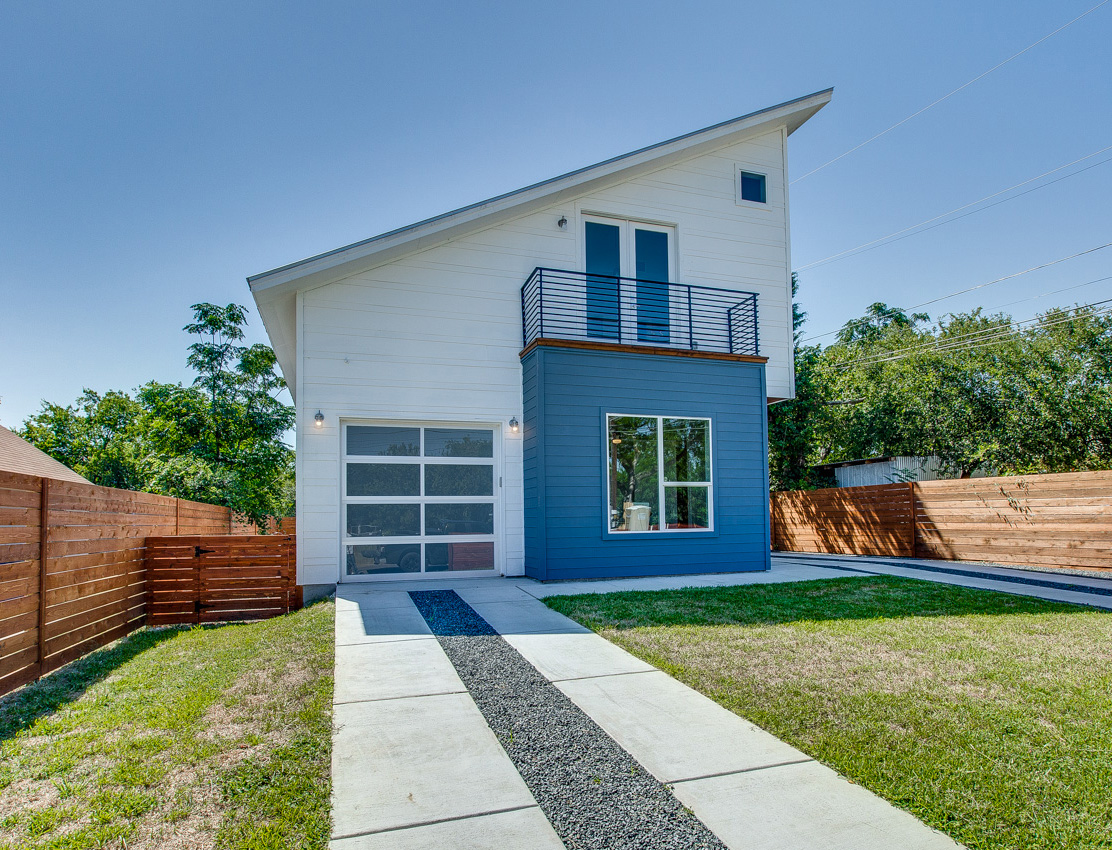 1131 Mason Avenue Unit A, Austin TX 78721 (SOLD)   Bedrooms: 4 | bathrooms: 3 | size: 1,923 sqft