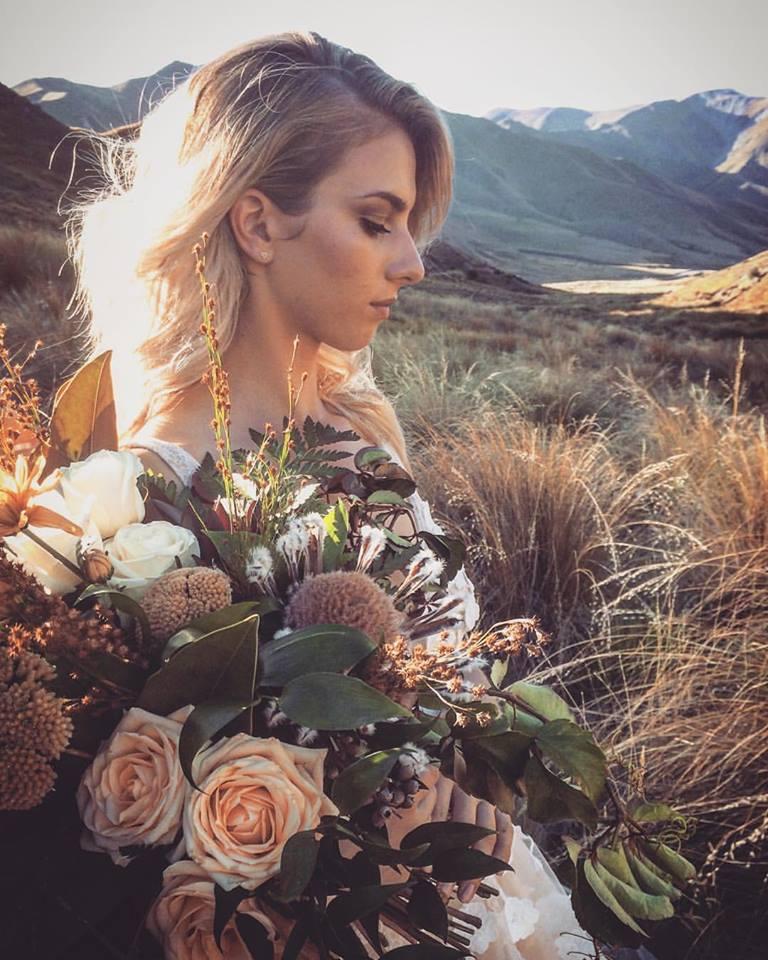 Crimson_wedding-Flowers.jpg