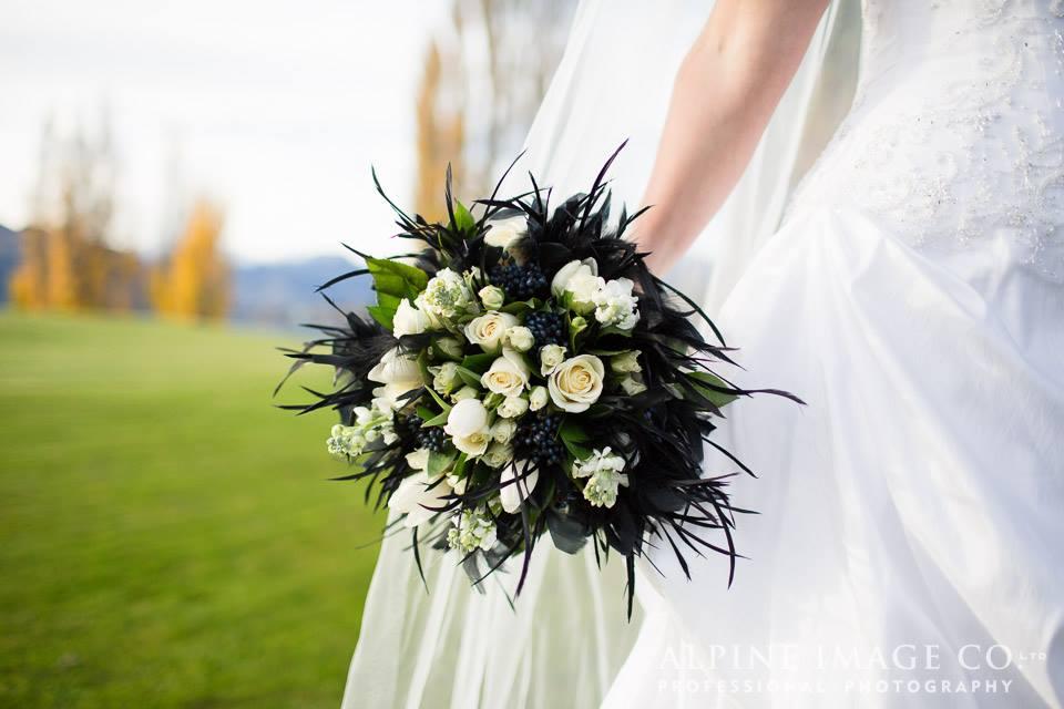 Crimson_wedding-Flowers28.jpg