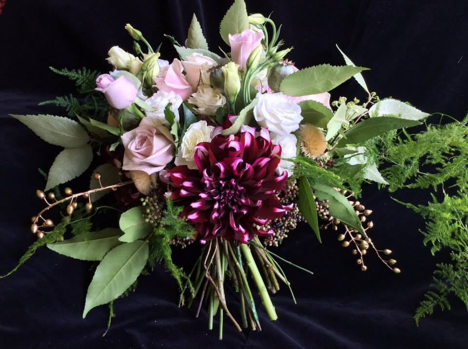 Crimson_wedding-Flowers54.jpg