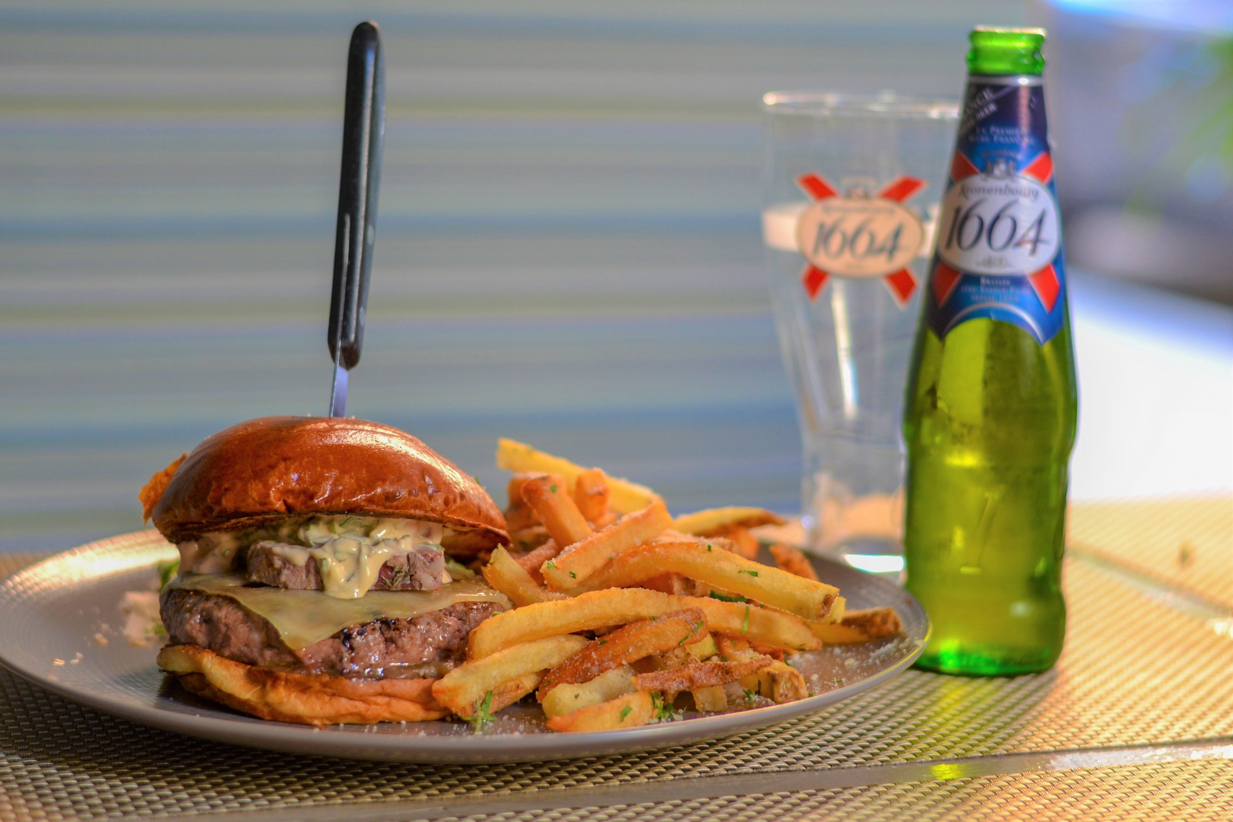 Burger + Beer 1.jpg
