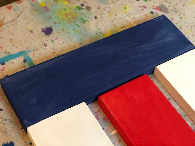 DIY hanging wood flag, how to make your own American wood flag to hang on your front door