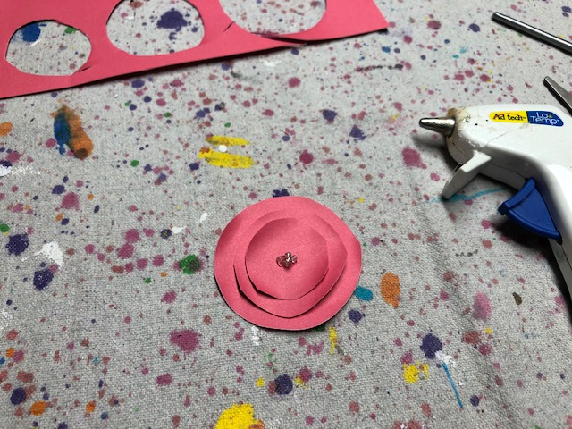 How to make paper flowers without a cutting machine