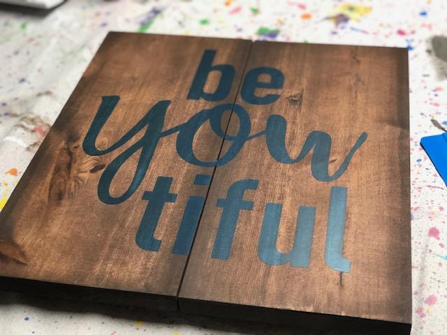 DIY beYOUtiful pallet style wood sign