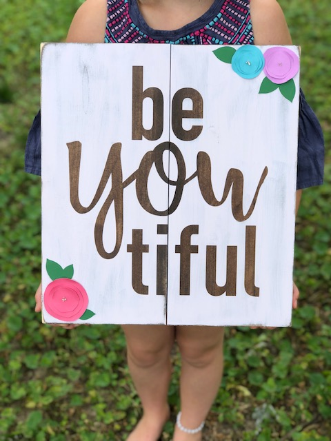 DIY beYOUtiful pallet style wood sign with paper flowers