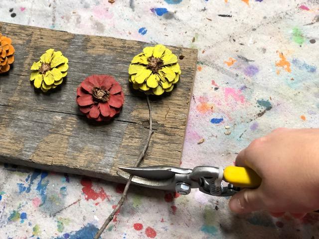 easy pine cone door handger DIY