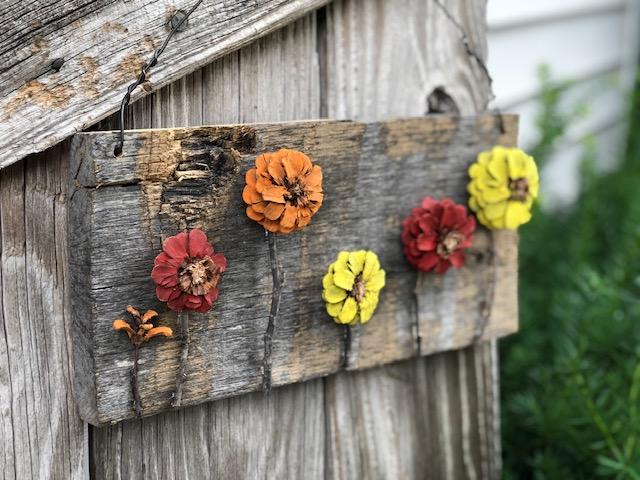 Easy pine cone door hanger DIY