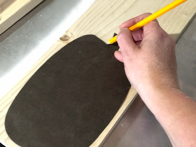 Easy scrap wood pumpkins using your Ryobi scroll saw. How to cut out pumpkin cutouts for your fall decor using your scroll saw.