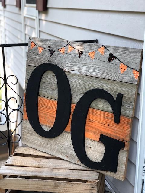 DIY school spirit pallet style porch sign