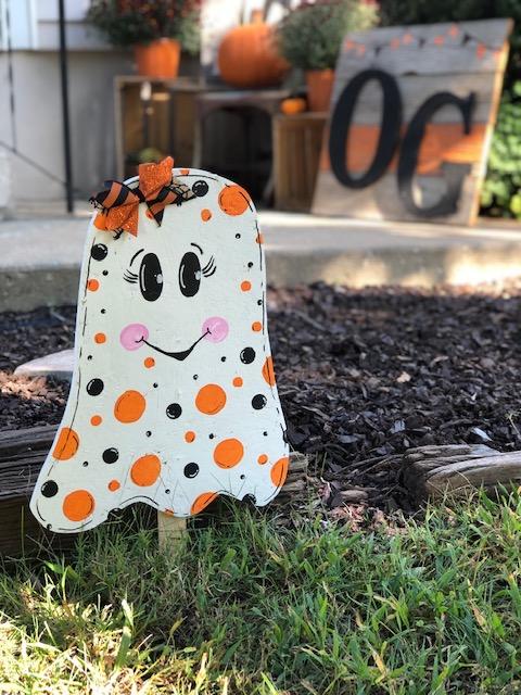 DIY cute ghost yard stake