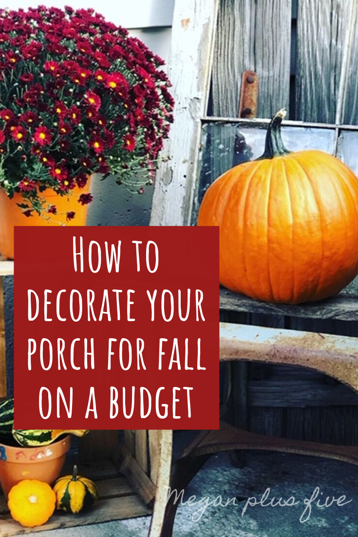How to decorate your porch for fall on a budget. Your don't have to spend an arm and a leg to decorate for the seasons. See how this mom spent less than $20 to decorate her porch for fall.