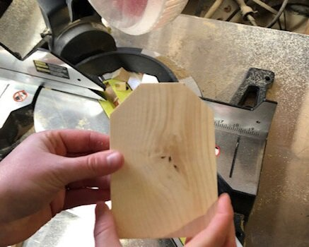1x4 craft projects to make at home. How to make mini wood tags for tiered trays for that perfect farmhouse style. Easy wooden tags using your miter saw,