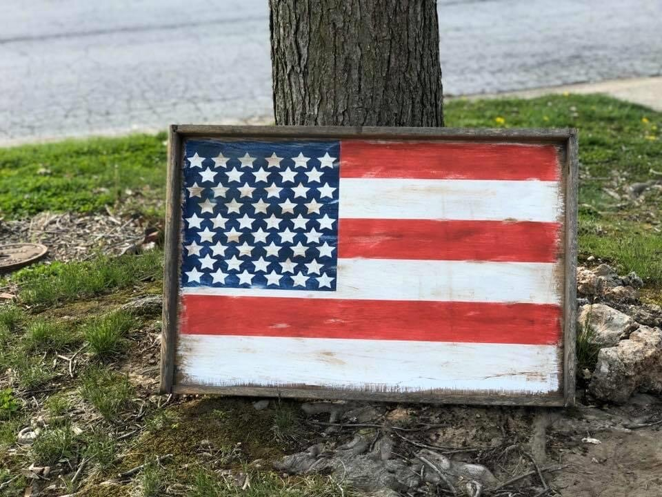 DIY repurpose an old drawer into an American Flag