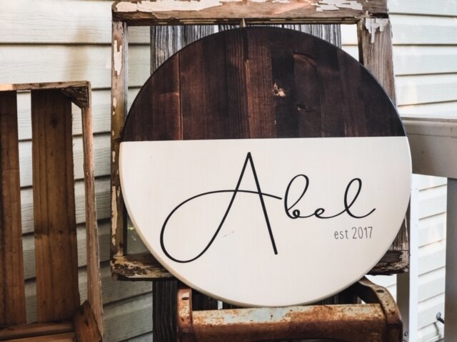 DIY round last name established sign with a modern farmhouse look