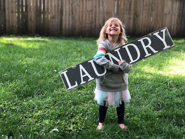 DIY painted & distressed laundry room sign + FREE SVG