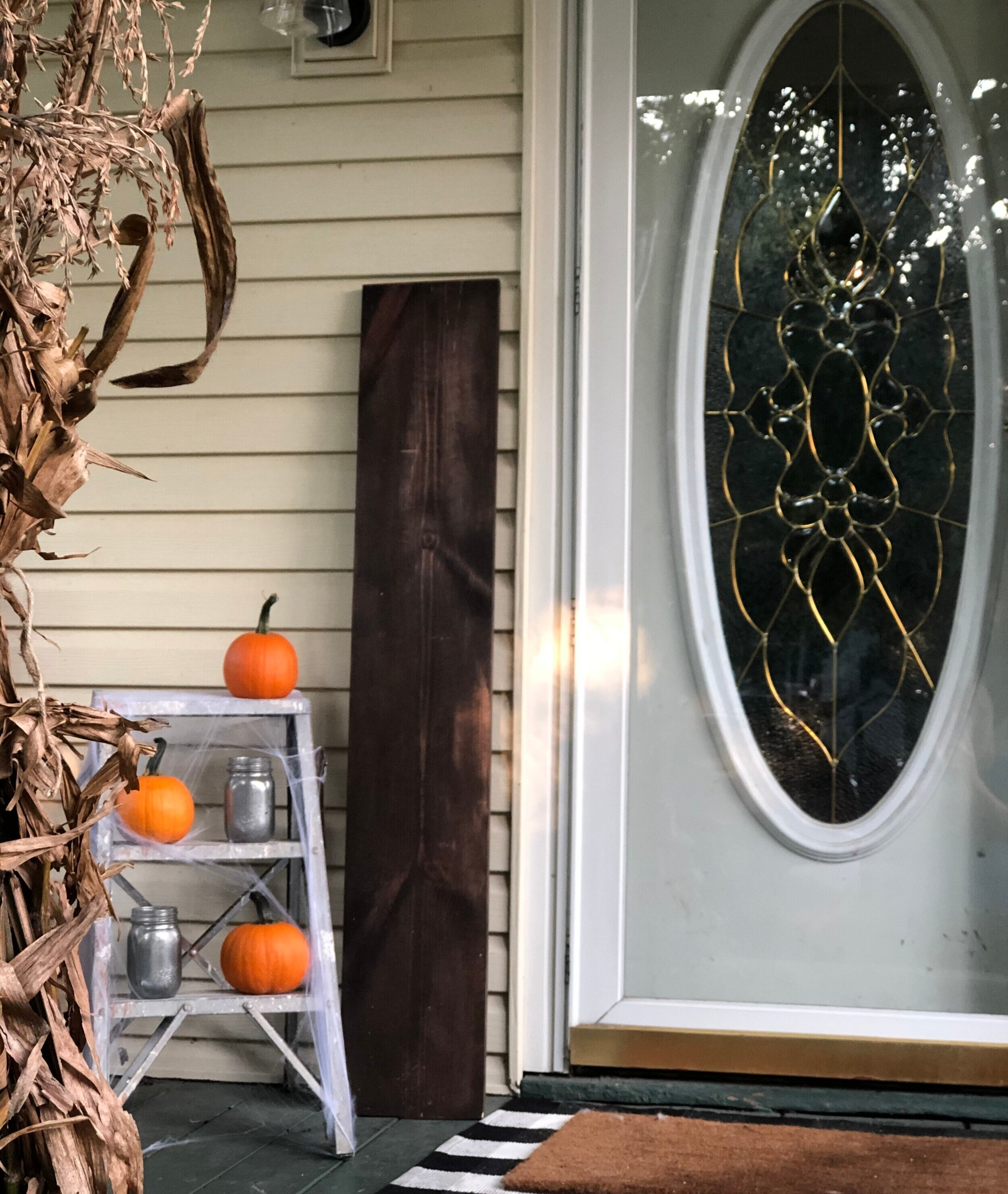 DIY Halloween framed leaning porch sign for your fall rustic farmhouse home decor. How to paint a Halloween front porch sign. It's Halloween witches large Halloween sign