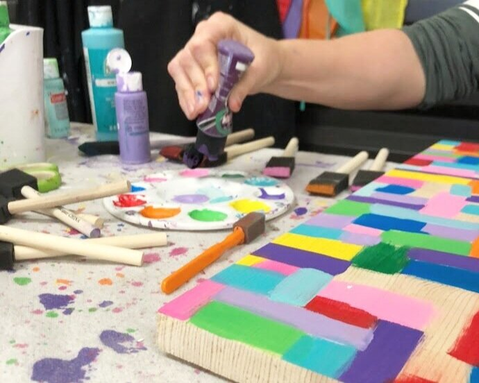 Hot mess painting method DIY craft tutorial. How to make a hot mess wood sign or canvas using a stencil and your Cricut cutting machine. Easy hot mess painting instructions.