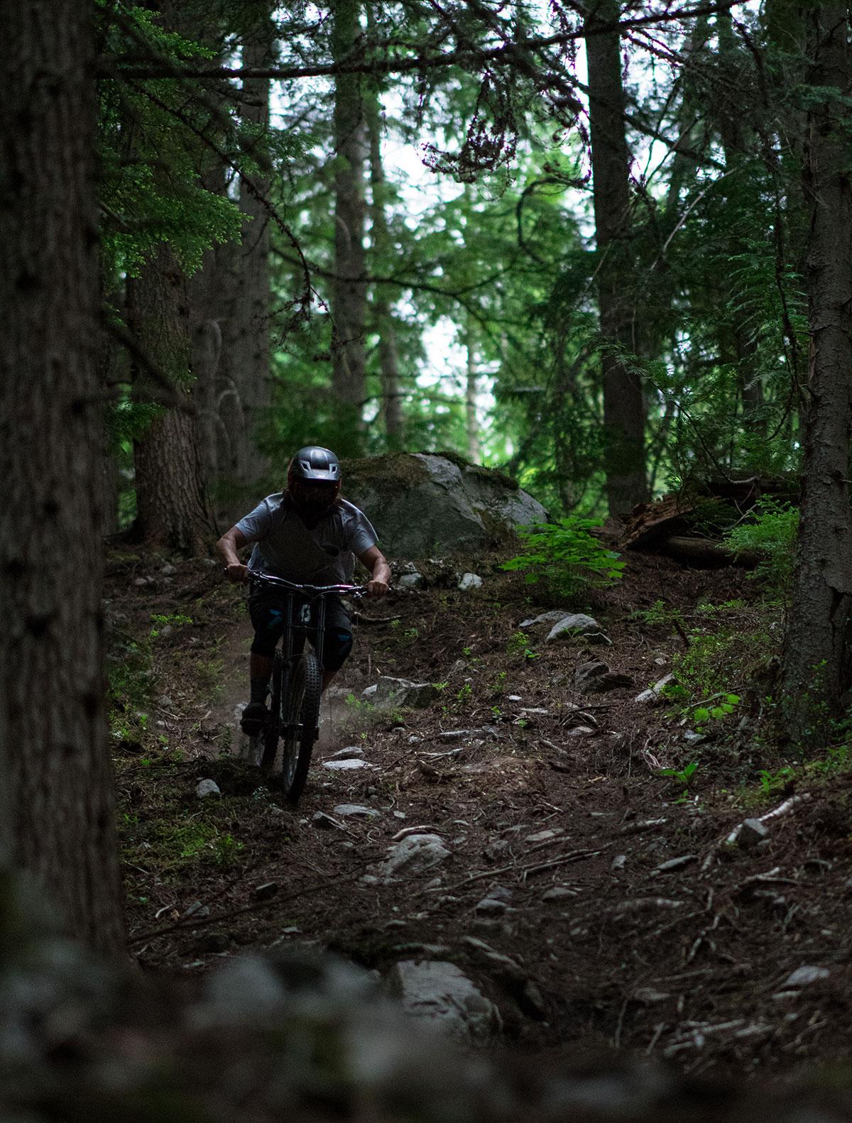 Full day mountain biking shuttle, Nelson, B.C. Guided tours.