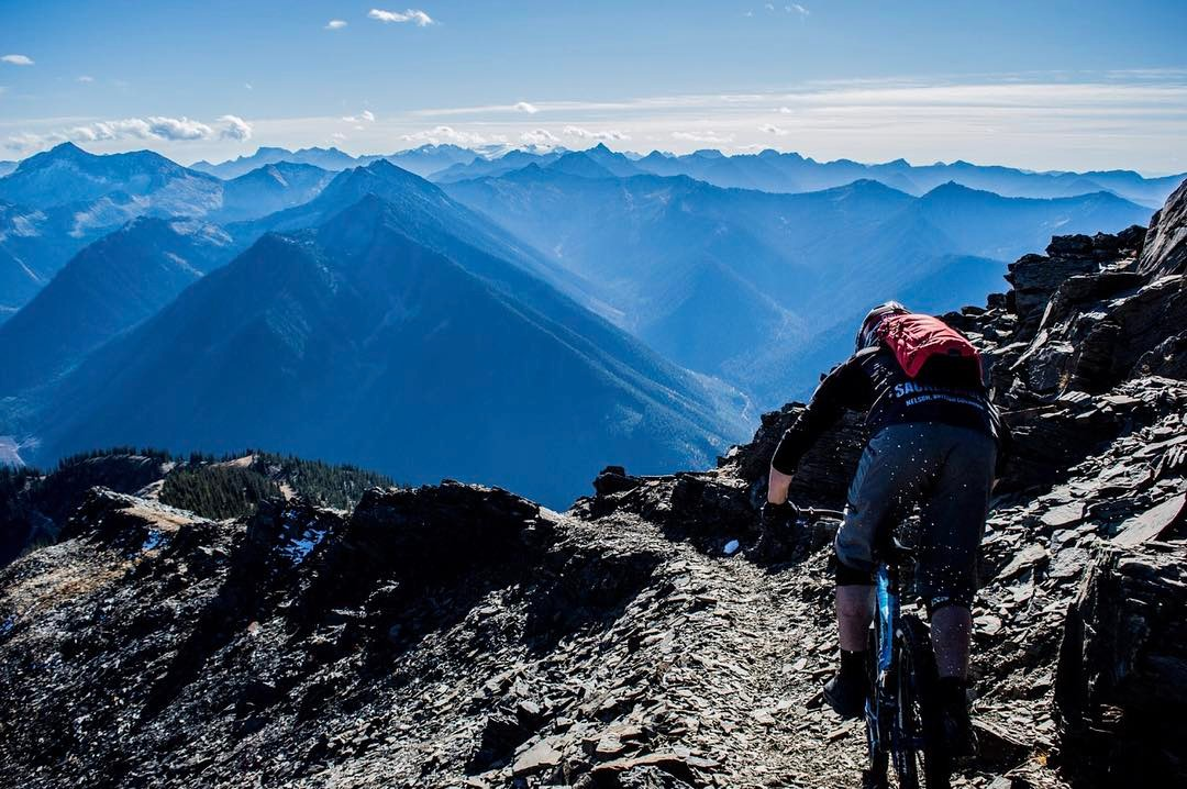 Moutain biking in the Slocan Valley, Idaho Peak. Shuttle, tour, ride.