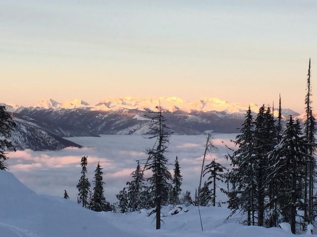 Beautiful inversion over our little mountain town. We love Nelson! . . .  #explorebc #findingawesome #explorekootenaylake #kootenaylife #tourismbc #kootsrock #kootsroots #nelsonbc #inversion