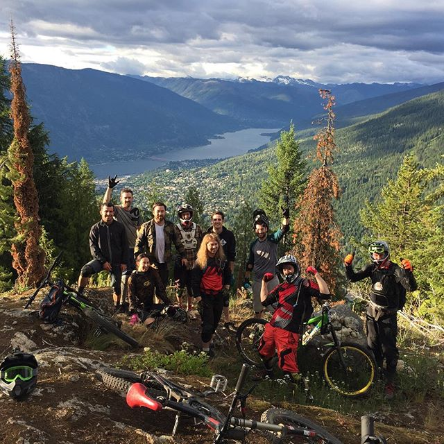 Hey instagram. After some politics we are back! We're riding and running some awesome trails and programs! Hit us up! . .  @ride.vertical #iridevertical  #explorebc #bcaletrail #kootenays #powtime #kootsrock #explorebc