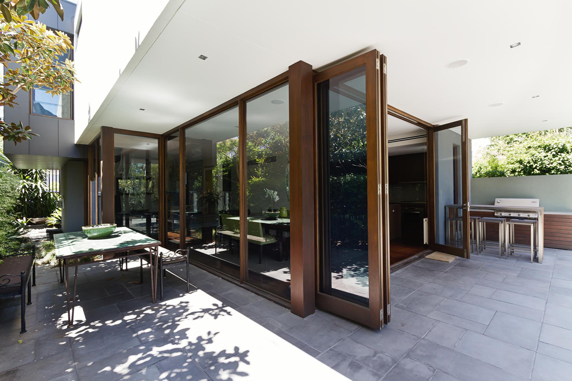 Tomma-Folding-Door-Systems-Patio.jpg